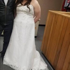 Alfred Angelo size 16 W wedding dress